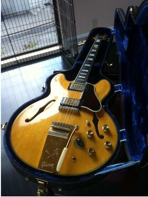 This was supposed to be an original 64 blonde ES-355. Unfortunately, the neck had been replaced and nobody told the seller (and he didn't tell me)
