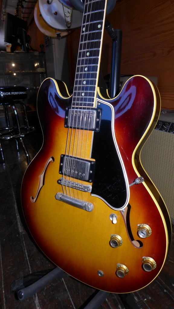 Dot necks continued to be the leader of the group.  They were strong all year with the 1960 models showing considerable growth, especially the early ones with the 59 features.