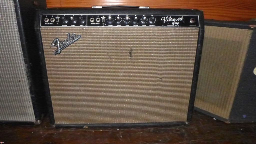 "Amps with 15"" speakers used to be a big deal. Now, nobody seems to want them. Whyizzit that Stevie Ray liked these (64 Vibroverb)  so much?"
