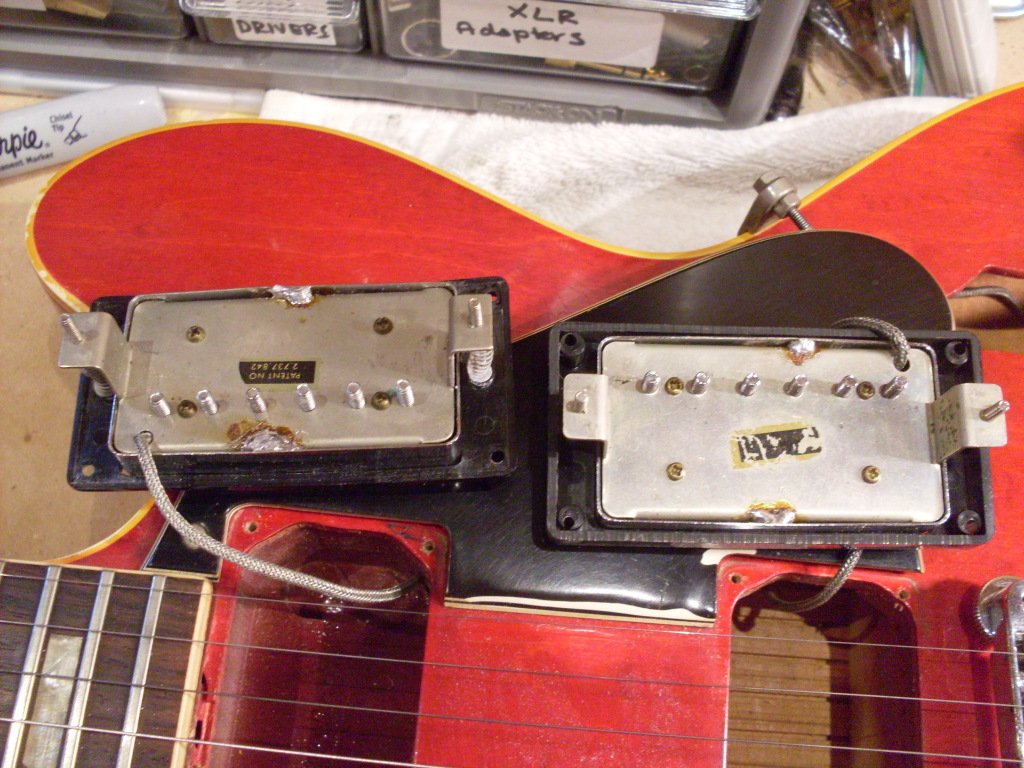 There a big fat section of the center block missing from 70's ES-335's. That's not such a good thing. There is nothing from the bridge to the lower edge of the neck pickup.