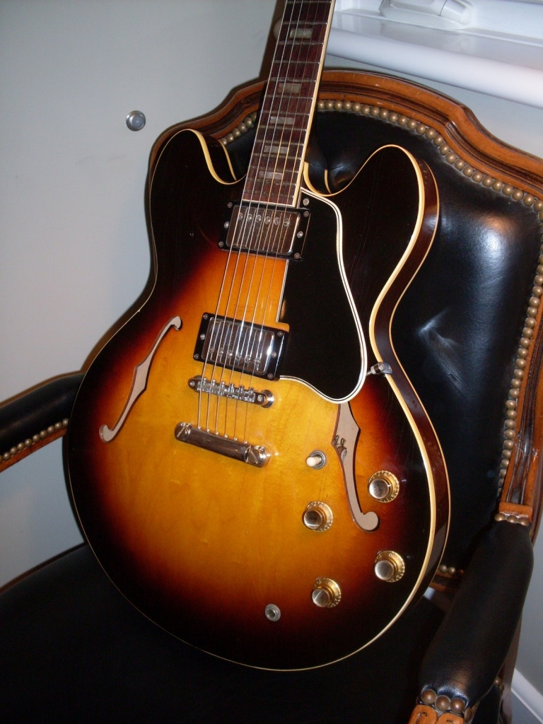 Best value there is in 335 land. This is an early 65 with the big neck and wide nut. It's been converted to a stop tail (Yes, it's placed a little too low) but for $8000 or so, it's $10,000 less than a 64 which is almost the same guitar. Read on and be amazed.